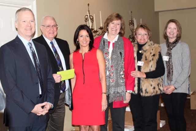 (left to right) Patrick Robbins, Chairman HSO Board of Trustees; Dan Halcomb, HSO President and CEO; Pam Gann, 2014 Ball Chair; Beth Wise, 2014/2015 Guild President; Julie Malone, Chair 2015 Crescen-Dough Auction; Cheryl Bence, Co-Chair 2015 Auction